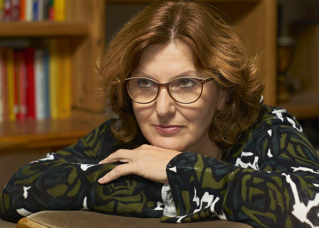 Frau Viele Bücher Rothaarig