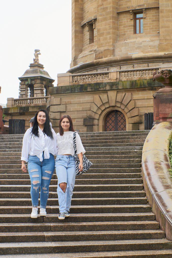 Schwestern am Wasserturm in Mannheim
